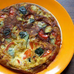 Gemüseomlett mit Paprika und Zucchini